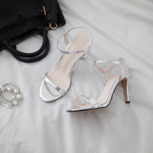 *jacobs heel (ivory, black, silver, gold)